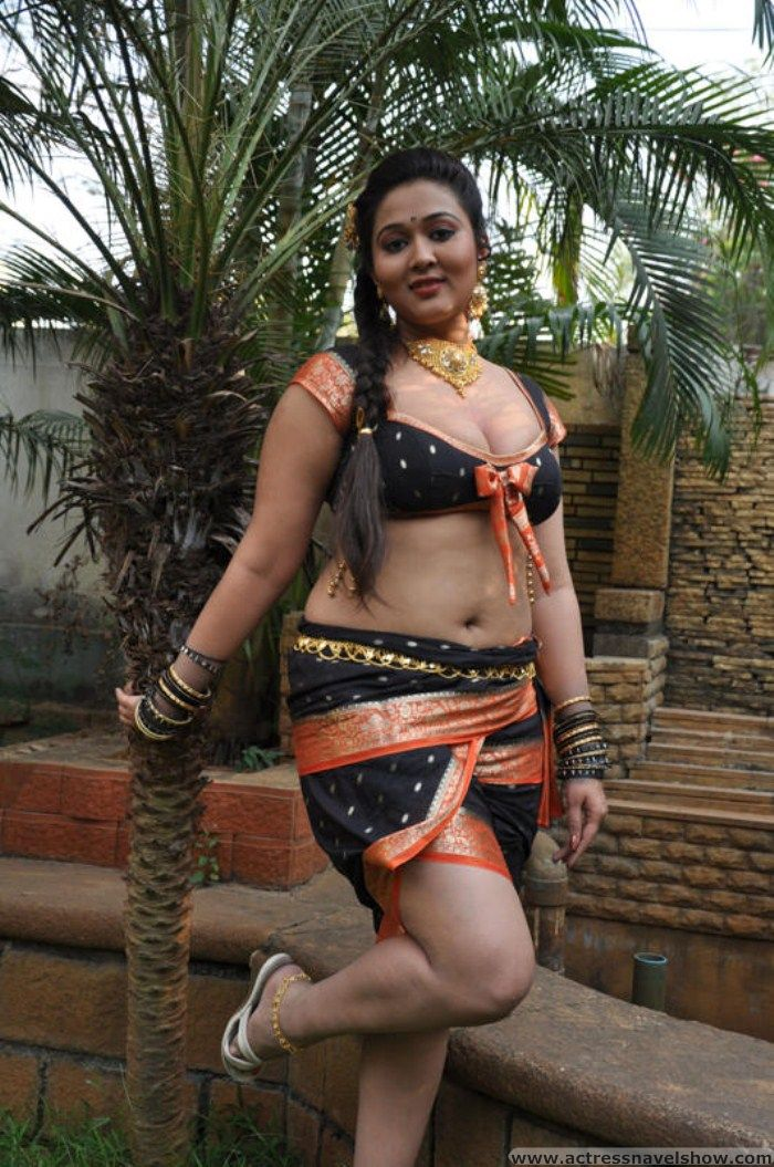 Lovely Actress Navel SHow