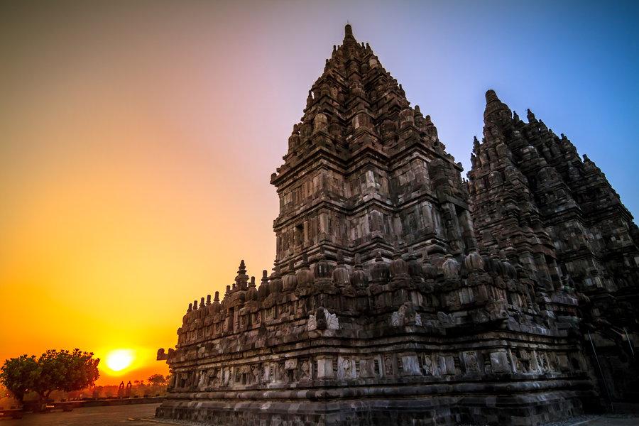 Cerkak Bahasa Jawa Singkat Liburan ke Candi Prambanan