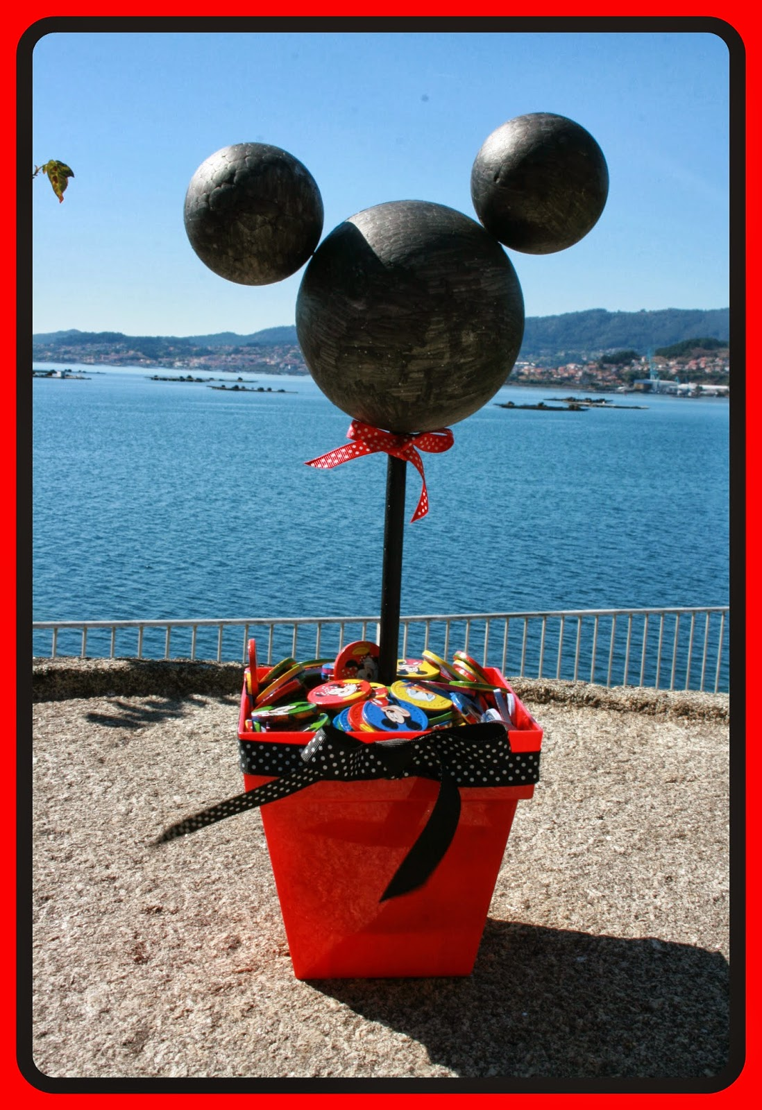 The Colour Lab: DIY: Centro de mesa de Mickey Mouse