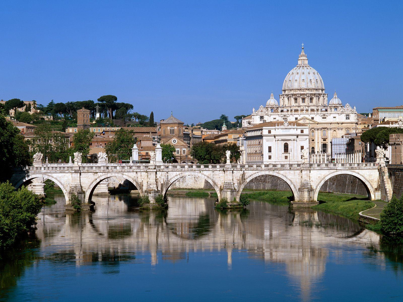 http://3.bp.blogspot.com/-UFA6a-bHZow/Tcp40GW9RhI/AAAAAAAACYM/kJyxsNdUZ48/s1600/The+Vatican+Seen+Past+the+Tiber+River%252C+Rome%252C+Italy.jpg