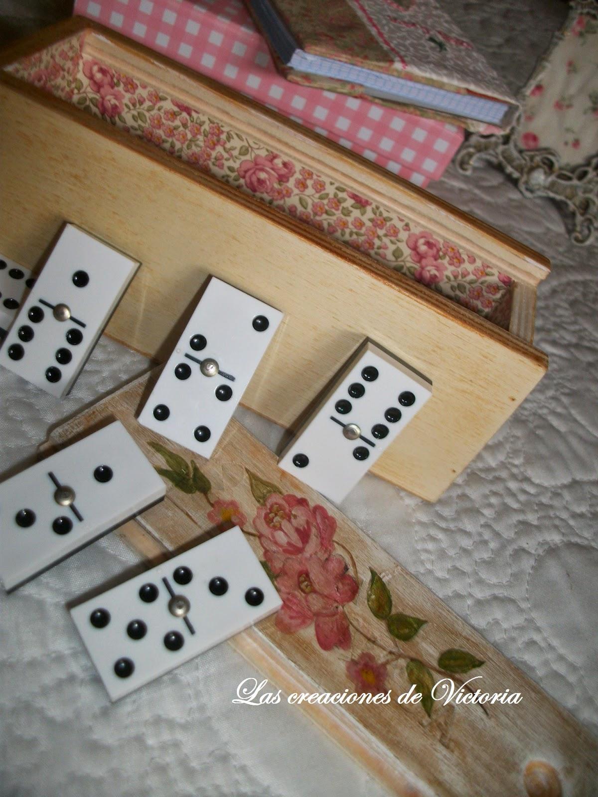 Las creaciones de Victoria.Patchwork.Funda de libreta.Reciclaje de caja de madera domino.Pintura alzada