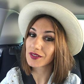 Somos Blanca y Estela. Venimos a compartir nuestro amor por la moda, las tendencias...¡Y mucho más!