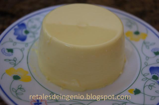 Gelatina cremosa de limón