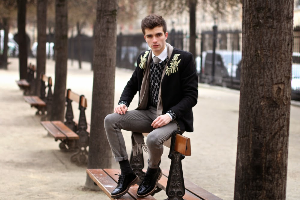 BLOG-MODE-HOMME_LOFT-Design-by-SWEATER_MIANSAI-Bracelet_POCHETTE-SQUARE-TIE_CLARKS-Shoes-UNIQLO-Scarf_PARIS-MENSFASHION biennale de la poésie