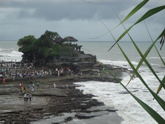 Tanah Lot Pura Hindu Bali Tepi Laut - Beraban, Kediri, Tabanan, Bali, Liburan, Rekreasi, Objek Wisata, Tur