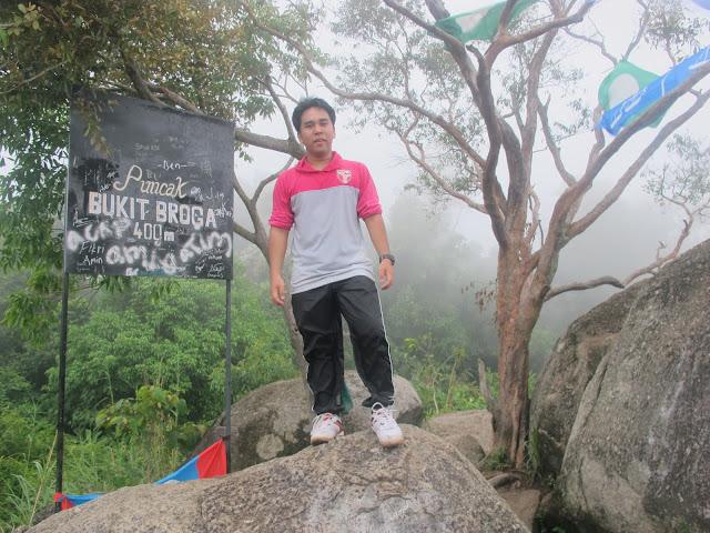 iGossip Rizal, Rizal Sadiman