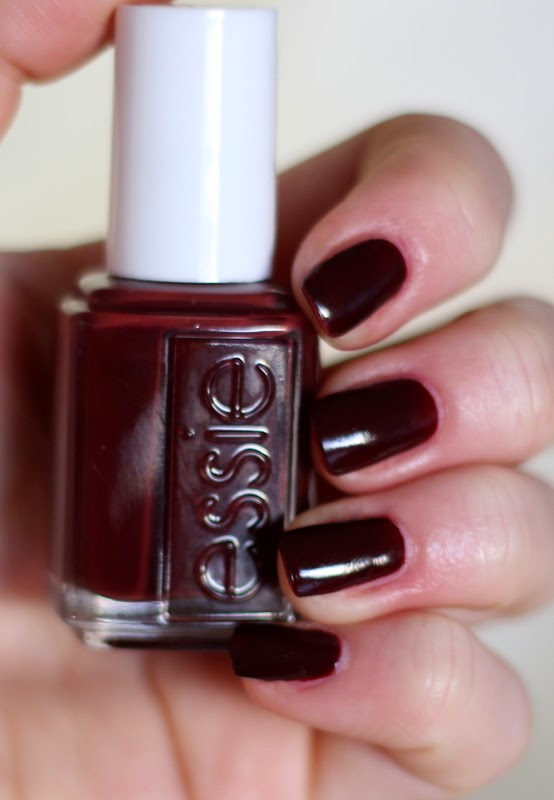 Nailpolish Essie Chocolate Cakes