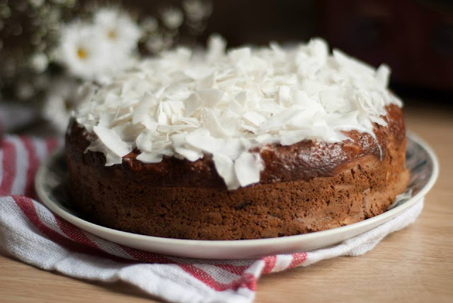 coconut, banana, cake, recipe, blog, blogger, uk, lifestyle, food