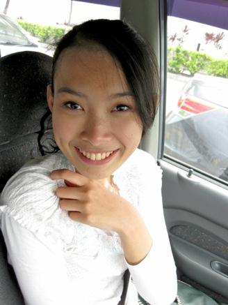 Malay women - Tudung U beraksi bebas
