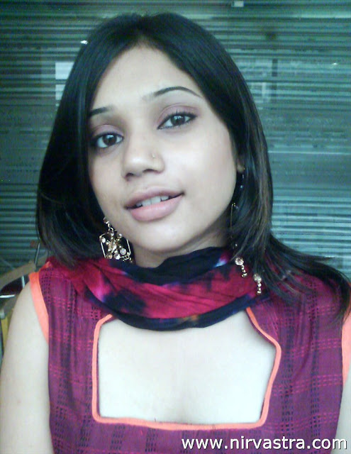 Beautiful Indian Teen Girl Boobs Pressed By BF | Desi Girls Nude ...