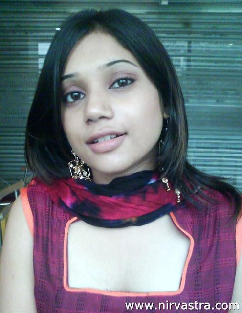 Beautiful Indian Teen Girl Boobs Pressed By BF | Desi Girls Nude ...