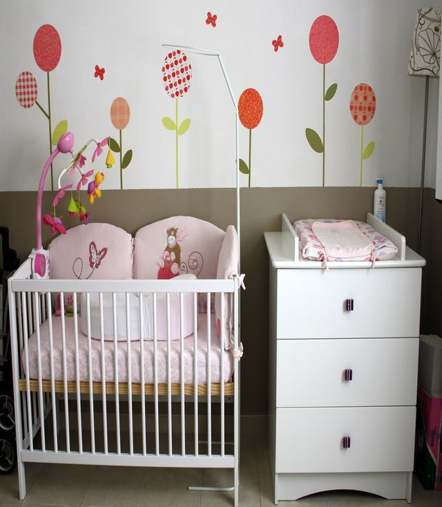 Des chambres coucher de b b gar on fille b b et for Photo de chambre de bebe fille