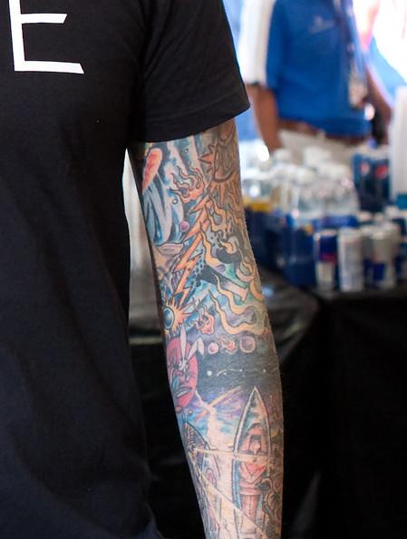 ... lengannya saja, maka kira-kira akan seperti inilah gambar tatonya
