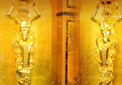 Hotel Ini Terbuat dari 100% Emas Murni