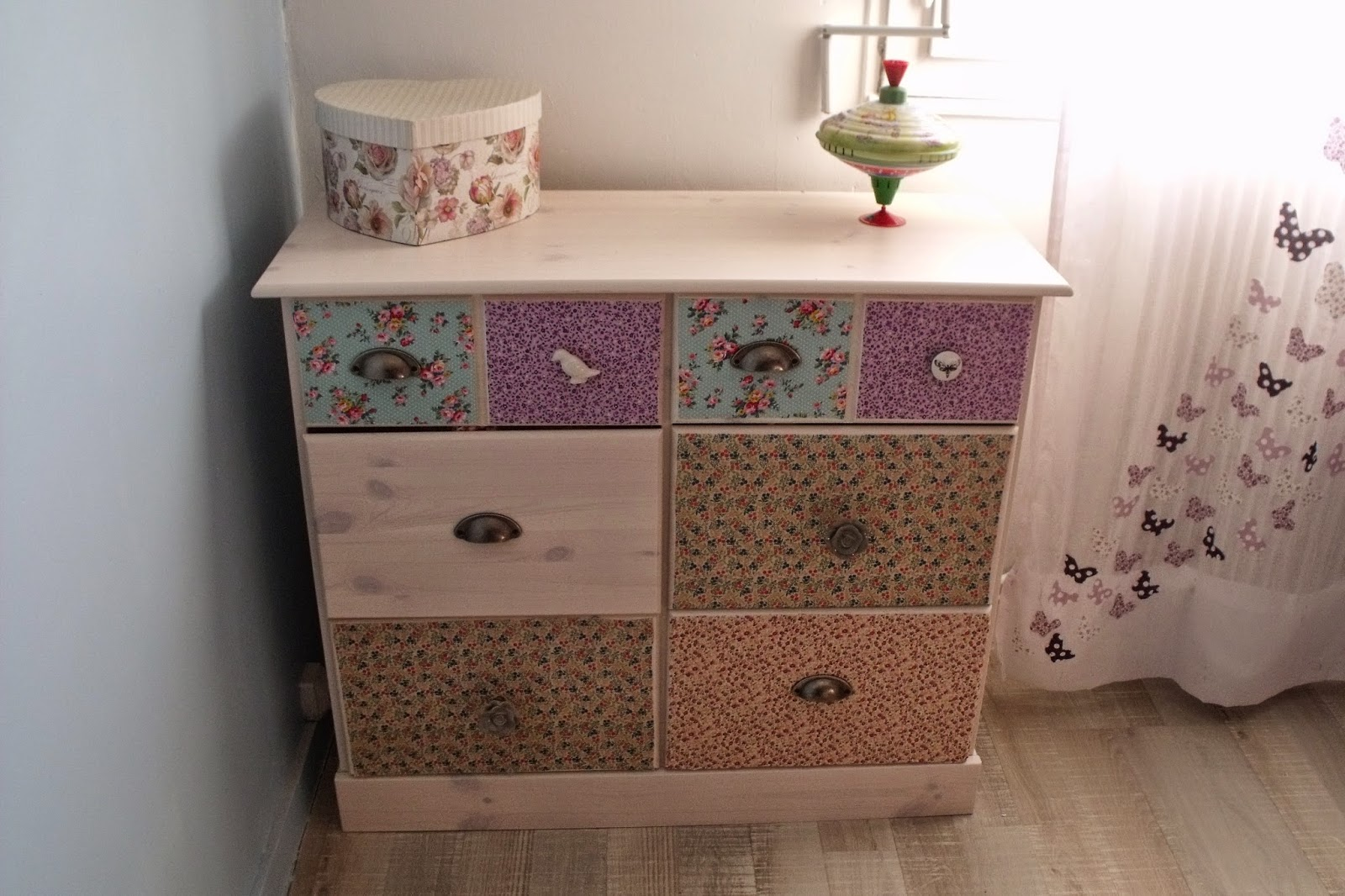 Lili joue maman bricole diy customisation commode liberty - Maisons du monde commode ...