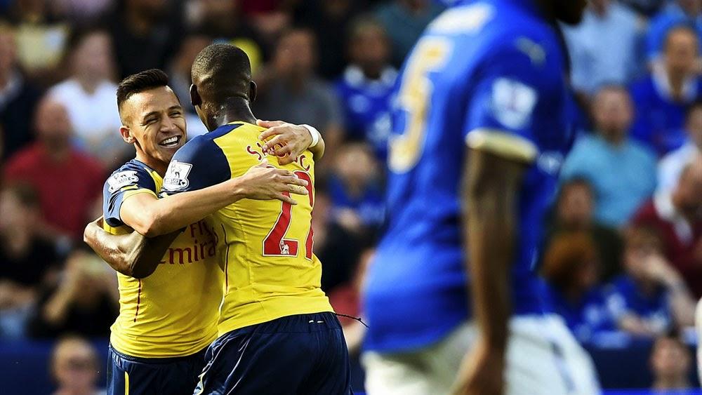 Alexis Sánchez in Arsenal FC HD Wallpaper   Free Football
