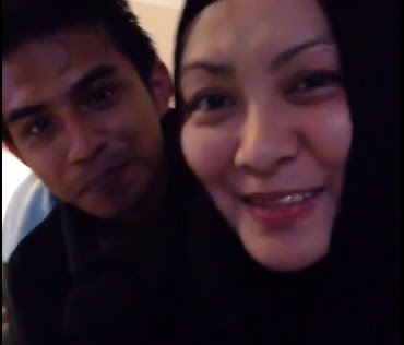 Video Romantis  Abby Abadi Dan Suami Barunya [Farhan] Mencium Bahunya Dikritik Teruk Peminat