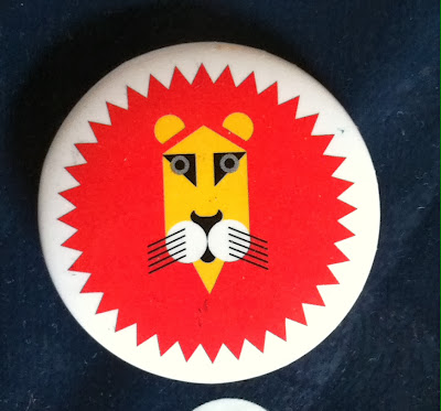 Retro lion pin badge from V&A