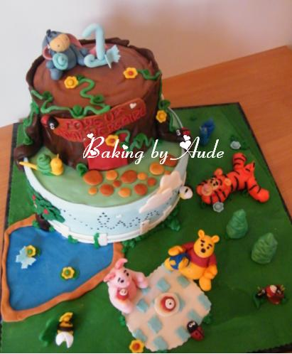 Gateau Anniversaire 3d Theme Winnie L Ourson Le Candy Bar