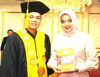 Dr. Aspi Zen Chaniago, Direktur LP3I Jakarta & Marissa Haque Fawzi Duta LP3I  2010
