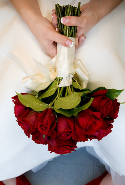 how to make a simple rose bouquet