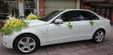 Cho thuê xe cưới Mercedes CGI 250