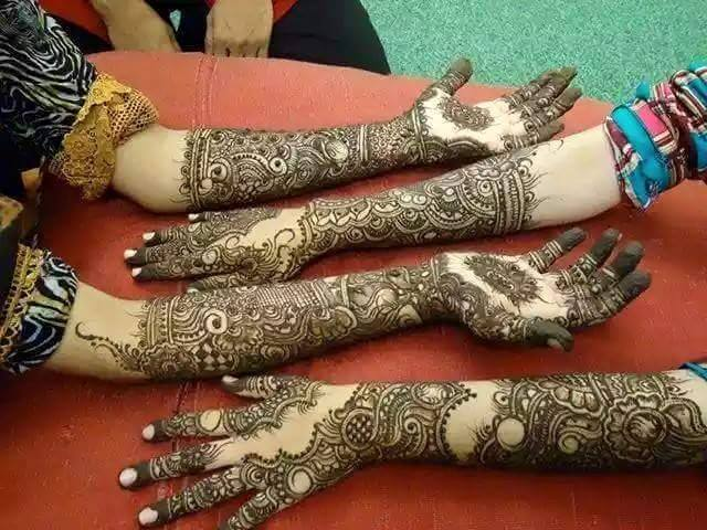 New Party Mehndi Designs : Mehndi design back and front makedes