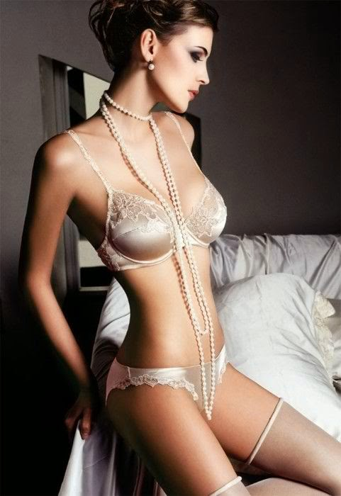 Hot and beautiful lingerie woman # : 4