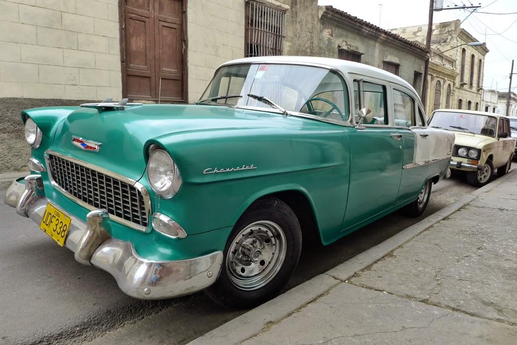 Santiago de Cuba vintage car green