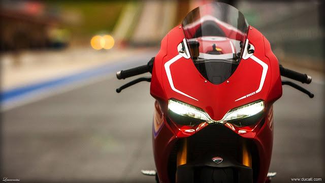 Superbike-Ducati-1199-Panigale-R-2013