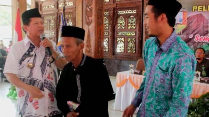 http://arminarekajatim.blogspot.com/2014/09/pada-usia-90-tahun-turmudi-akhirnya.html