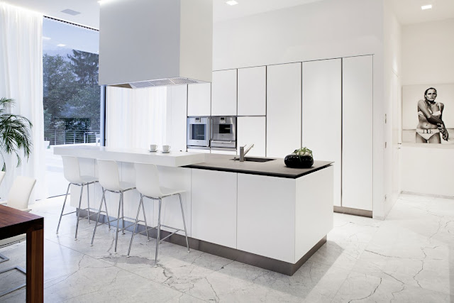 White minimal kitchen