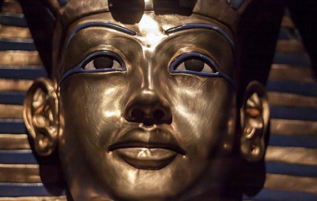 wajah patung firaun