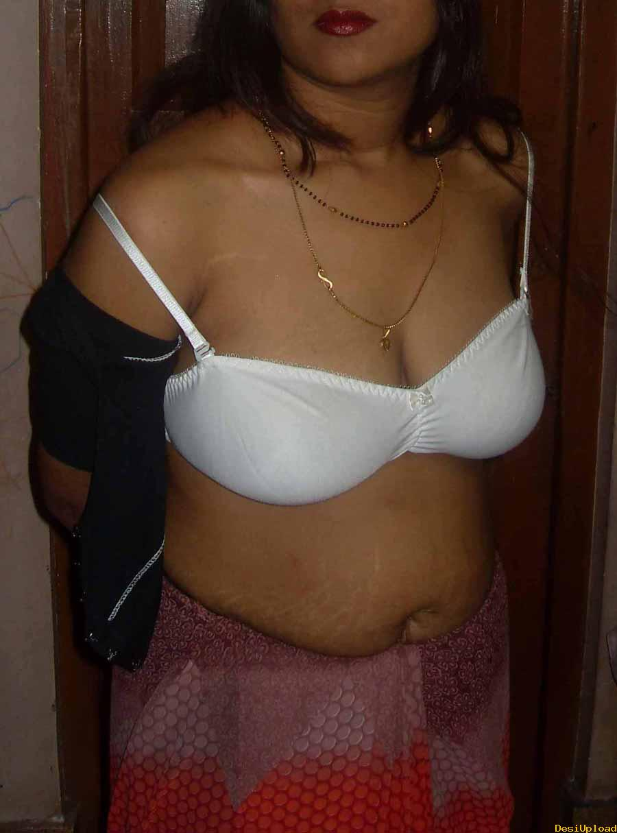 Consider, Desi indian bhabhi removing saree not take