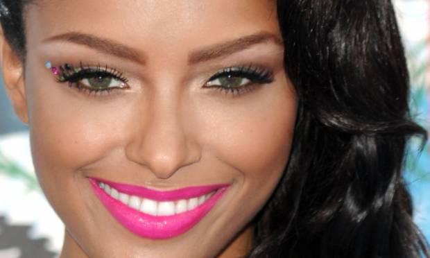 makeup, maquilhagem, batom rosa