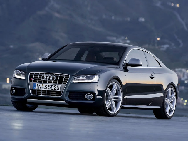New picture of elegant Audi RS5