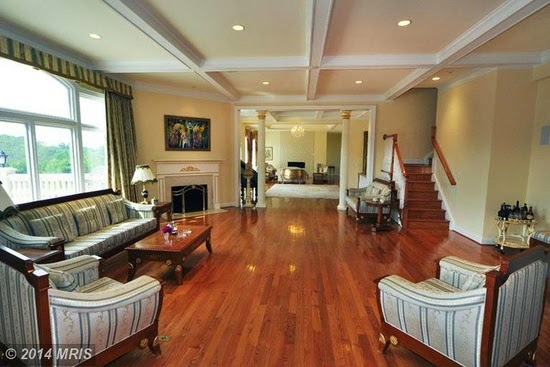 Eileen\'s Home Design: Large Mansion For Sale in Gaithersburg, MD ...