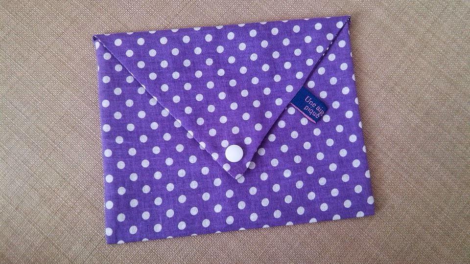 Couture pochette enveloppe avec bouton pression