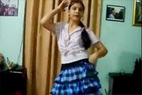 Why this Kolaveri di – smart girl Dance