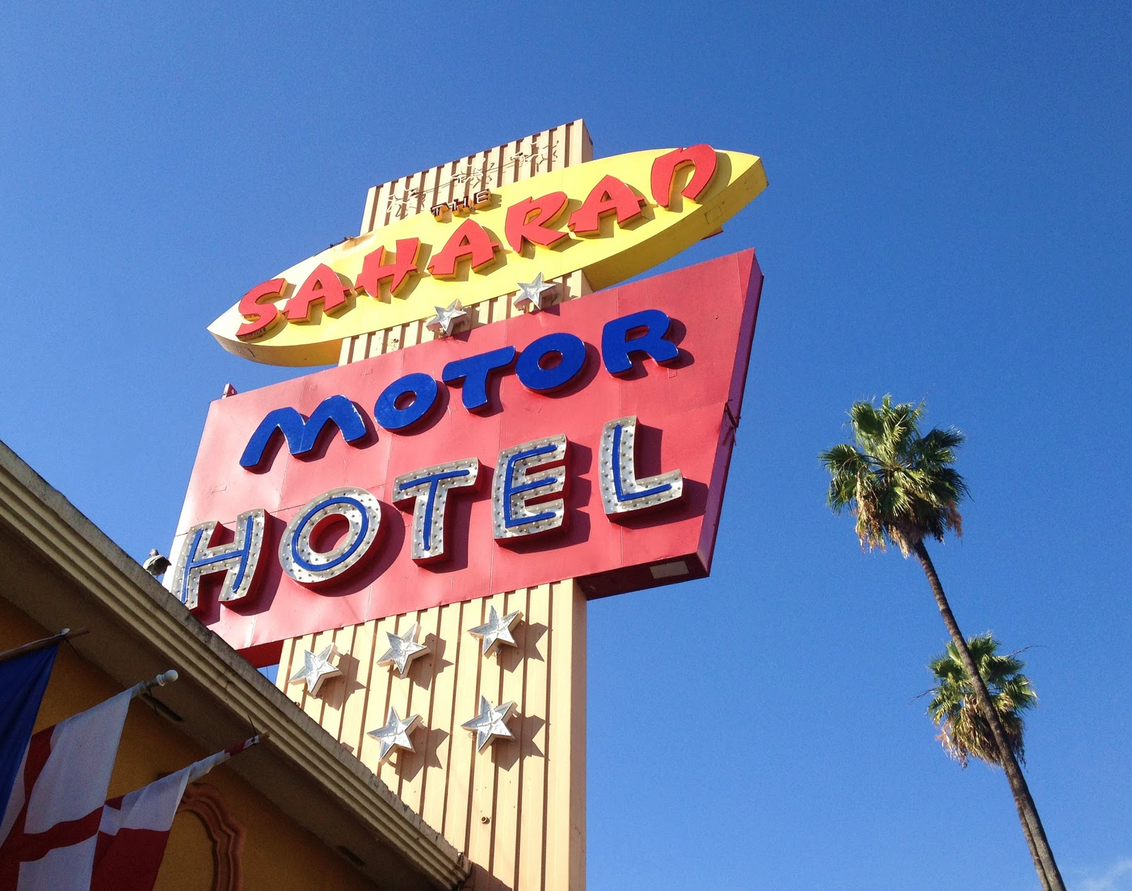 Adventures of an almost 40 year old intern november 2011 for Saharan motor hotel hollywood
