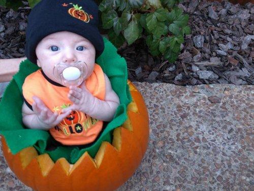 Pumpkin baby costume 1