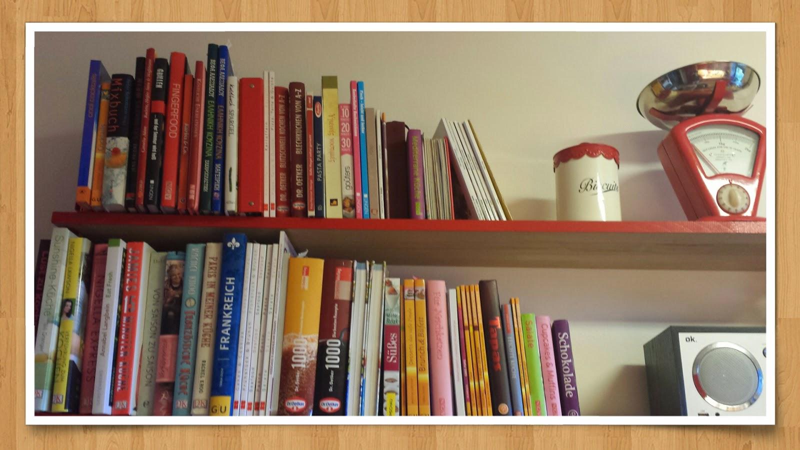 Kochbuch-Bücherregal