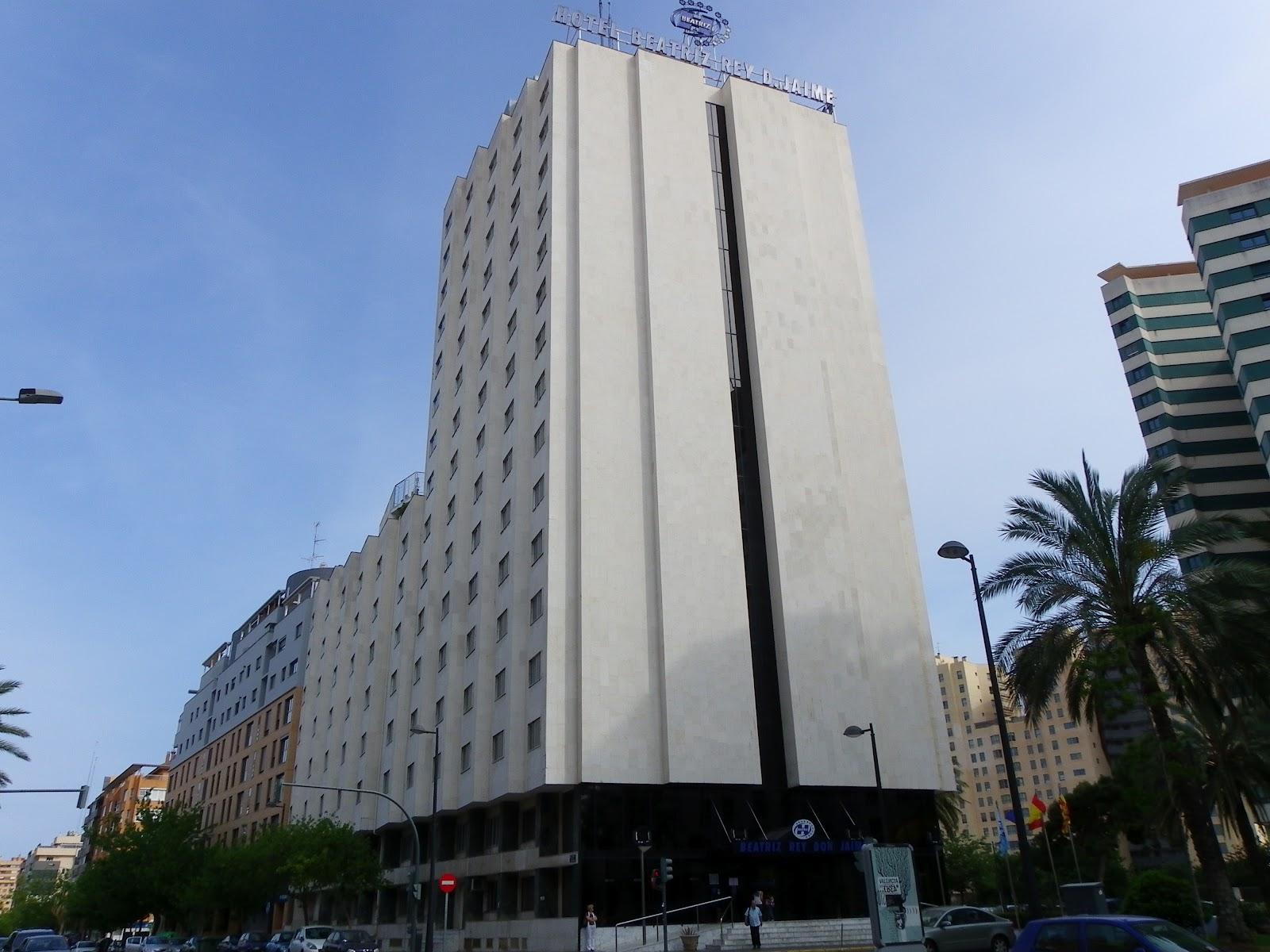 Valencia turismo diversion hoteles de valencia - Hoteles en la playa de la malvarrosa ...