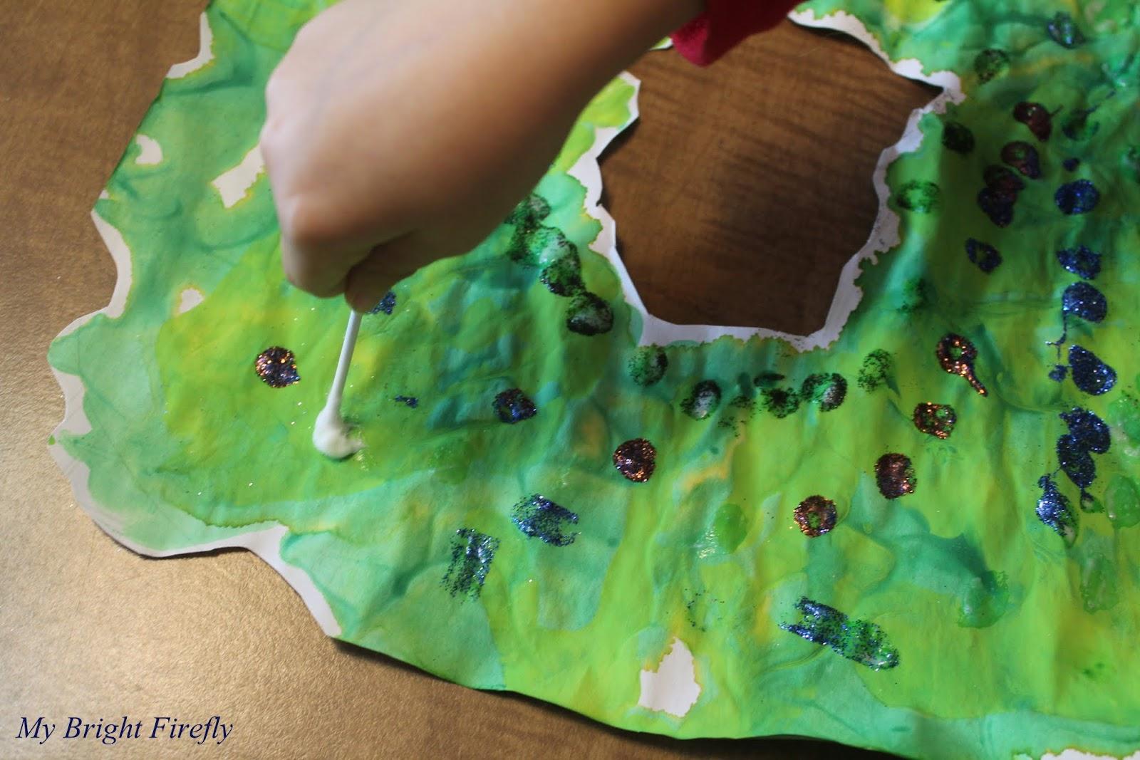 My Bright Firefly: Process Art: Christmas Handprint and Glitter Wreath