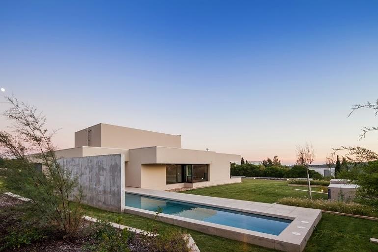 Casa belas dise o minimalista est dio urbano arquitectos for Proyectos casas minimalistas