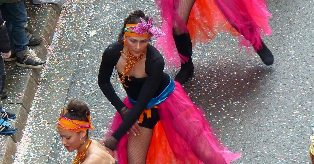 Eph m res carnaval de nantes les danseuses for Danse de salon nantes