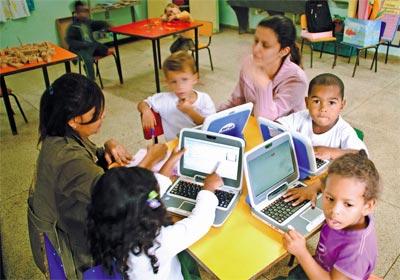 Cresce uso de computador na pré-escola
