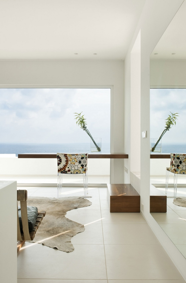 Table and chair with the sea views