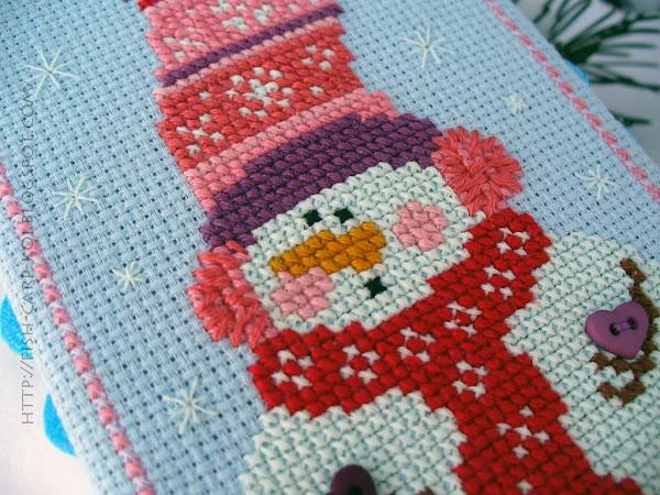 Snowman Trio - Michelle Lutzen - Stitchy Kitty Вышивка крестом - Снеговички Milly Оформление - Пинкип Светится в темноте