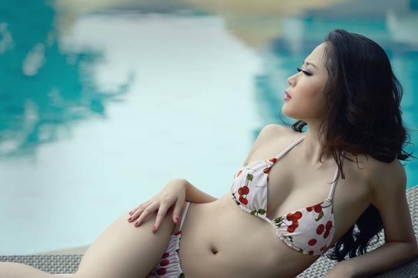 Tít mắt đường cong Julia Nguyễn 3
